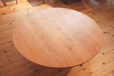 ブラックチェリー 丸 リビングテーブル