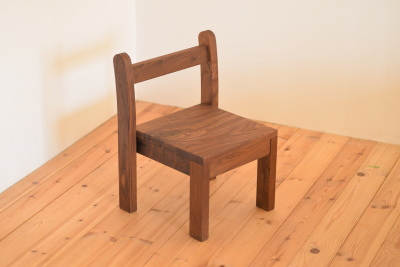 無垢スタッキング子供椅子