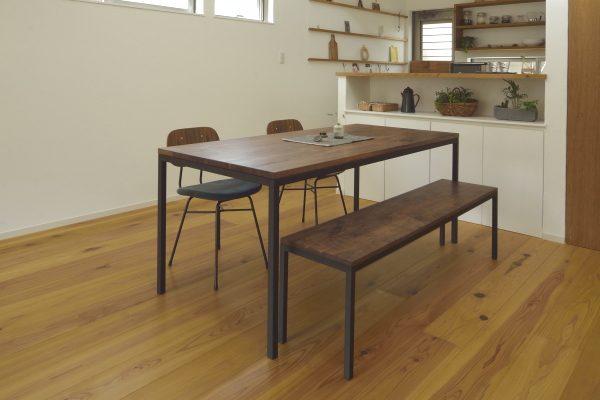 無垢×鉄脚テーブル