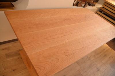 オーダーブラックチェリーダイニングテーブル