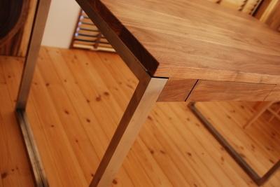 無垢テーブル×鉄脚の学習机