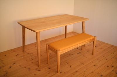 マロン(クリ)材テーブル