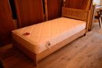 無垢オーダー家具・クリ材ベッド