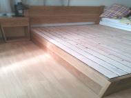 オークワイドロングサイズベッド・ナイトテーブル