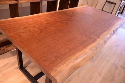 ブビンガ一枚板テーブル