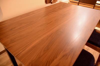 無垢ウォールナット×鉄脚テーブル