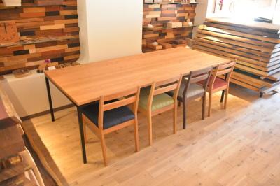 無垢の会議用テーブル