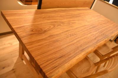 ベリー一枚板テーブル