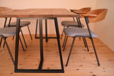 耳付き天板×アイアン脚テーブル05