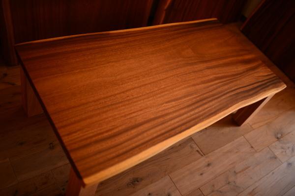 無垢オーダー家具・モンキーポッド一枚板テーブル