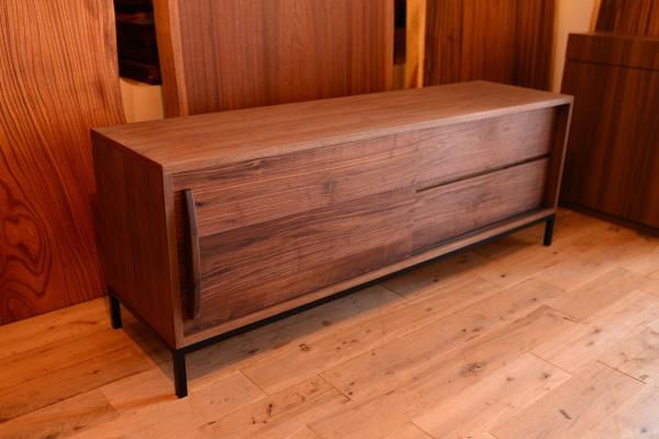 無垢オーダー家具・ウォールナットベテレビボード
