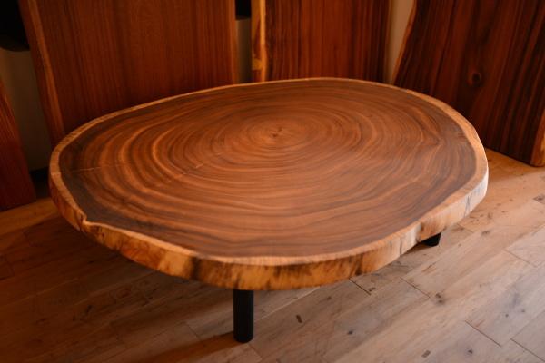 無垢オーダー家具・モンキーポッド輪切りテーブル