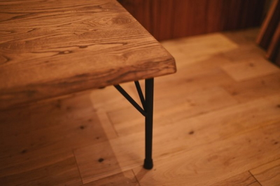 無垢アンティーク仕上げローテーブル03