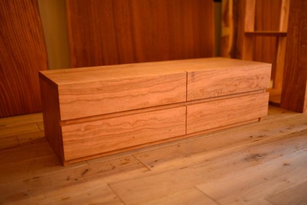 無垢オーダー家具・チェリーテレビボード