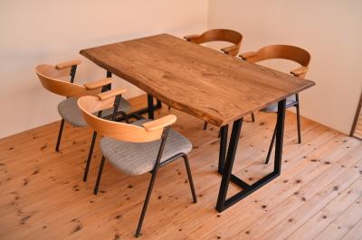 耳付き天板×アイアン脚テーブル03