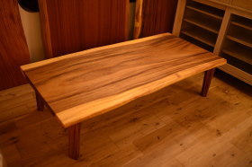 モンキーポッド一枚板 ローテーブル