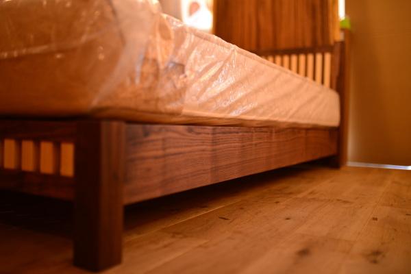 無垢オーダー家具(No.333)無垢オーダーベッド(ウォールナット×ヒノキ)