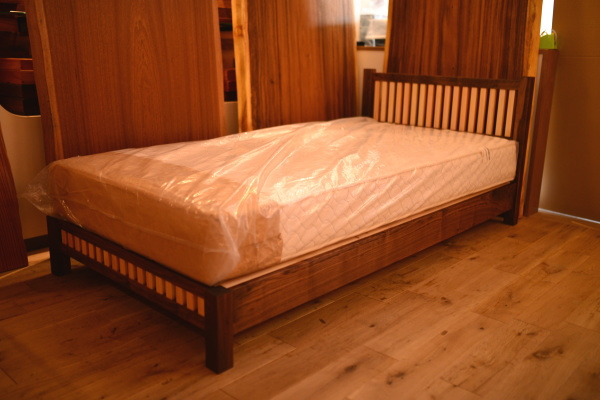 無垢オーダーベッド