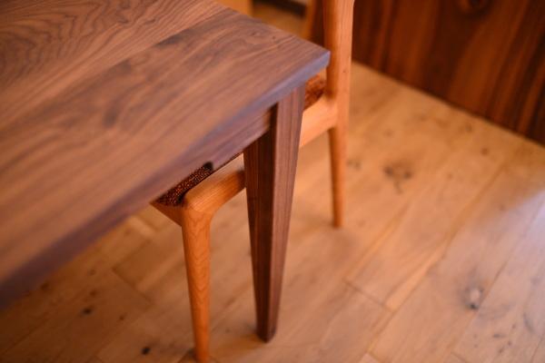ウォールナット無垢材 ダイニングテーブル