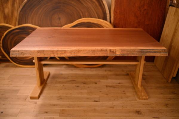 無垢一枚板マホガニーテーブル